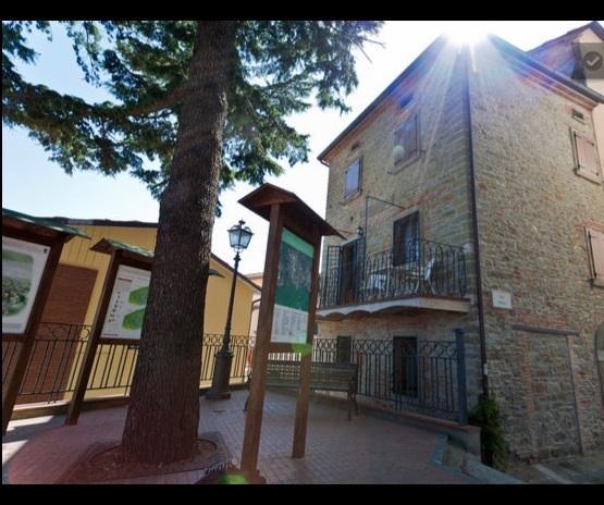Delightful house in Italy 2, aluguéis de temporada em Tuoro sul Trasimeno
