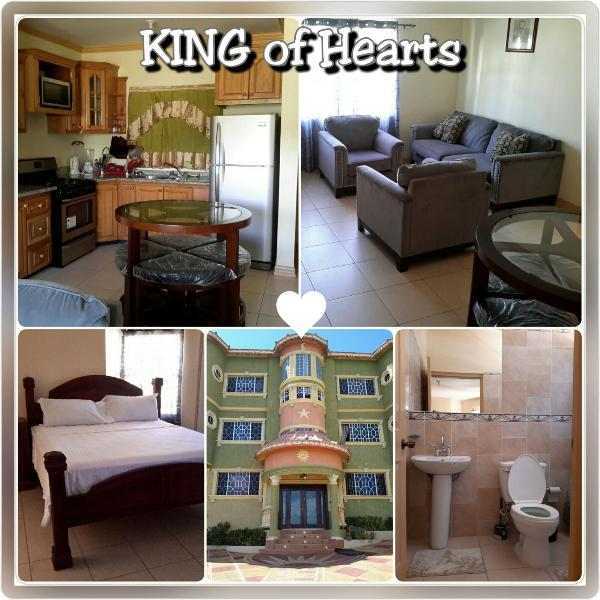 KING of Hearts is an elegantly furnished 2 Bedroom/2 1/2 Bathroom apartment.  The A/C will keep you