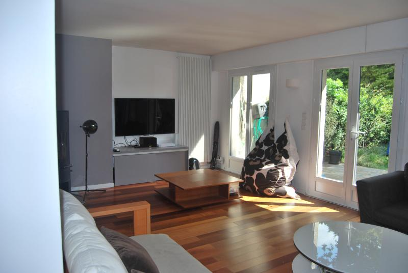 Close to Paris in nice residency, holiday rental in Lisses