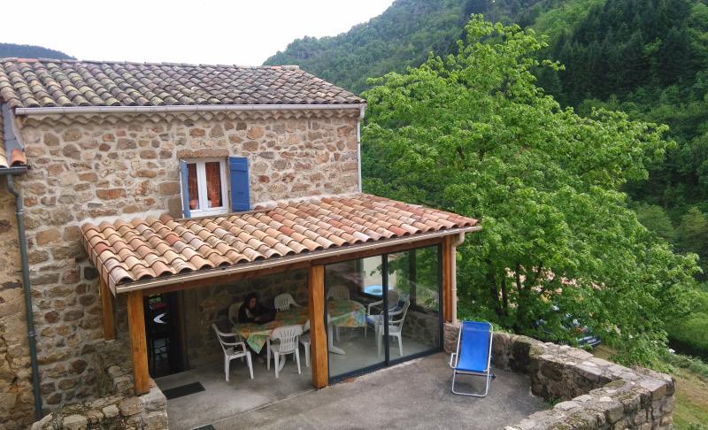 Maison ardèchoise pour vos vacances, holiday rental in Ajoux