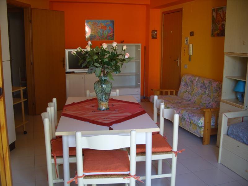Appartamento fronte mare Fondachello, location de vacances à Mascali