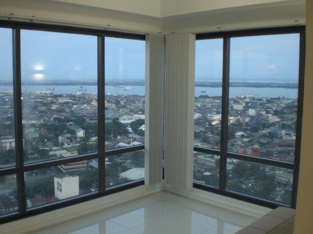 Living Room Panorama View: Ocean/ City