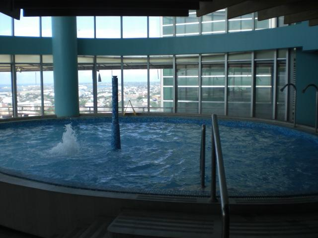 Indoor Pool and Spa Center, Full Spa , Saunna, Steam, Jacuzzis, Massage