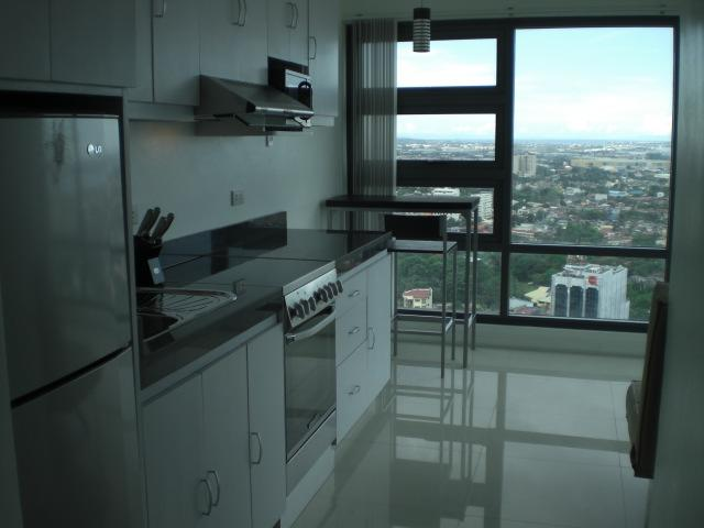 Ultra Modern Kitchen, Fully Stocked, Granite Prepp Counters, Stainless Steel