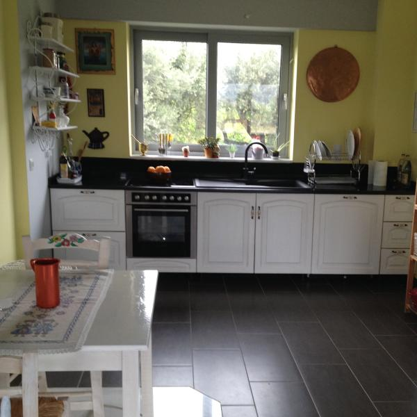 Wohnung in 2 Ebenen bei Villa mit Garten, aluguéis de temporada em Rododafni