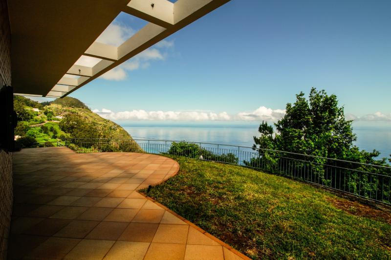 Cottage Ocean View. Gorgeous sea view, holiday rental in Porto Moniz