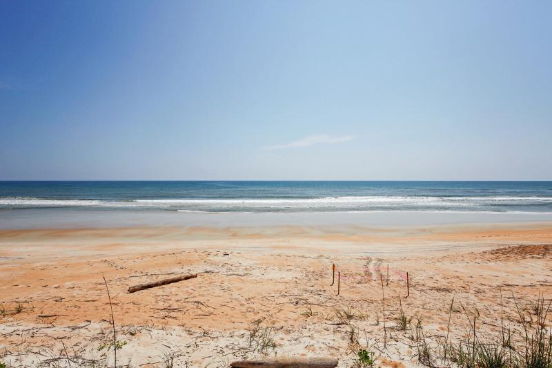 Flagler Beach | Beach Towels Provided