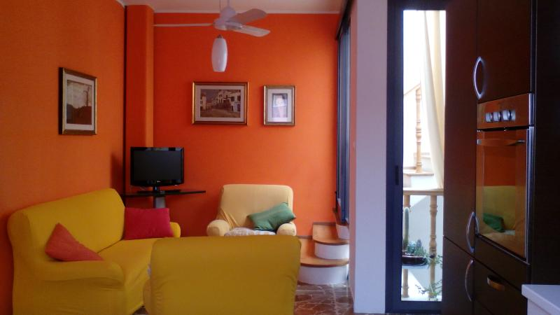 casa caterina, in centro vicino al mare, holiday rental in Pozzallo