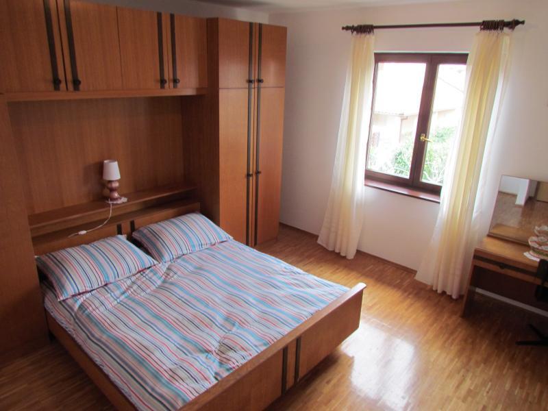 Apartment Rede 1, holiday rental in Vinkuran
