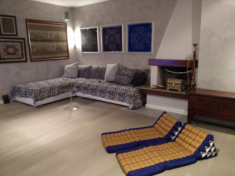 elegante attico con terrazzo solarium, vacation rental in San Giorgio in Bosco