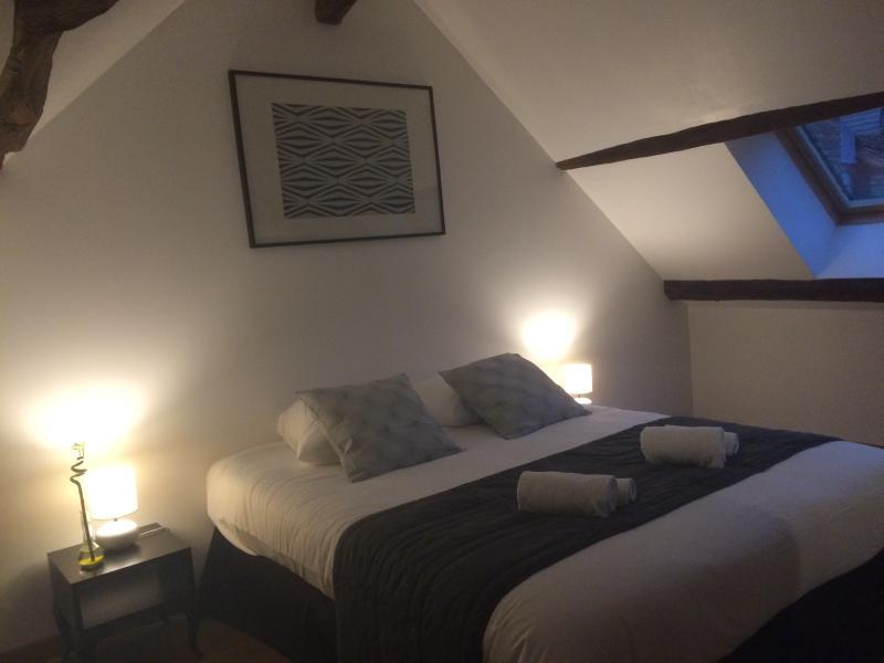 Bel appartement en plein coeur de Beaune, location de vacances à Corgoloin