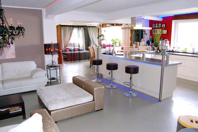 Helioslounge Cologne Ehrenfeld, holiday rental in Bedburg