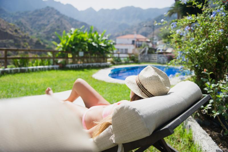 Apartamento con piscina y vistas a Garajonay, aluguéis de temporada em Hermigua