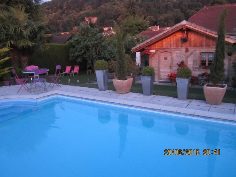 chalet pour 2 amoureux, vacation rental in Thonon-les-Bains