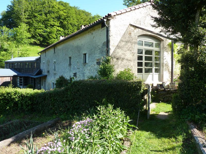 La Prade, maison d'hôte, calme absolu, vacation rental in Pont-de-Larn