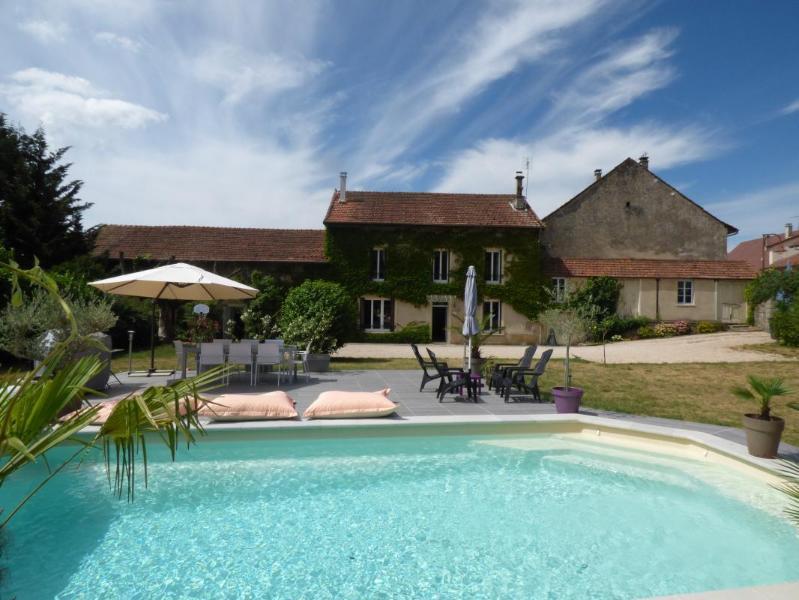 Magnifique maison de famille au coeur du Bugey, holiday rental in Hieres-sur-Amby