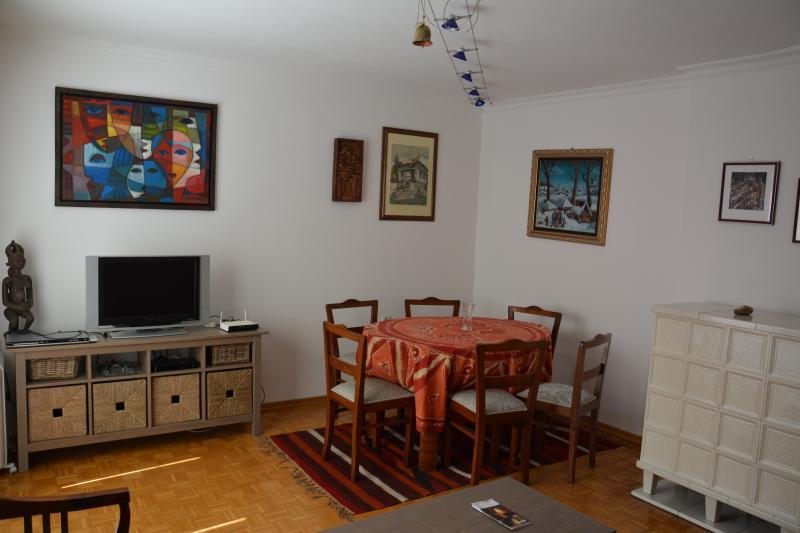 COSMOPOLITAN apt. convenient location Schönbrunn, holiday rental in Baden