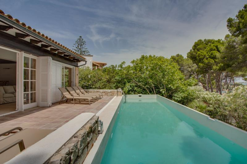 Villa Cala Padri | Haus an der Küste, holiday rental in Font de Sa Cala