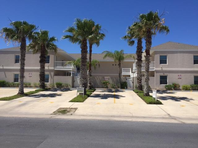 NEWLY REMODELED, STEPS TO BEAUTIFUL PADRE BEACH, holiday rental in South Padre Island