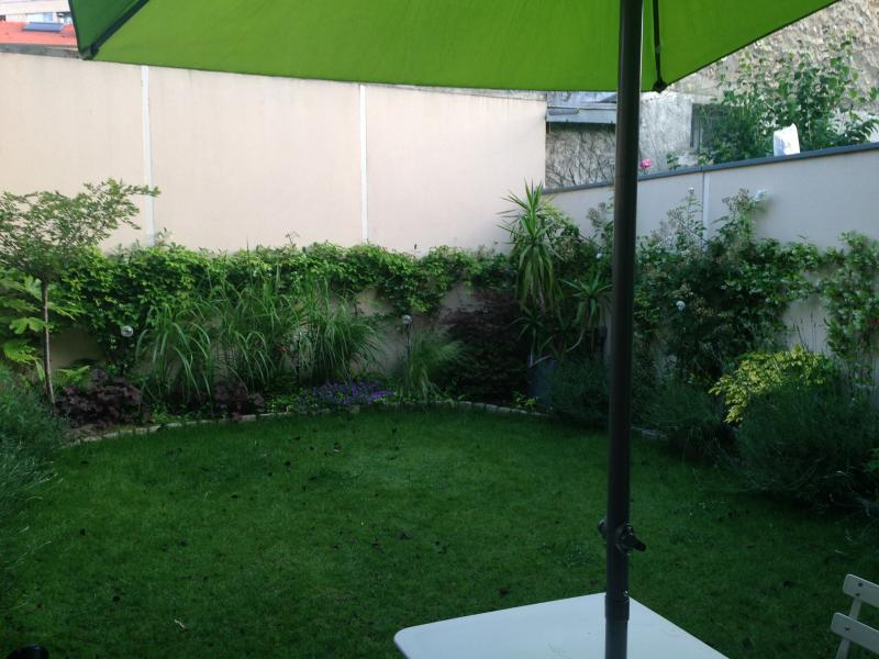 Un air de campagne à 2 pas de Paris, holiday rental in Chatenay-Malabry