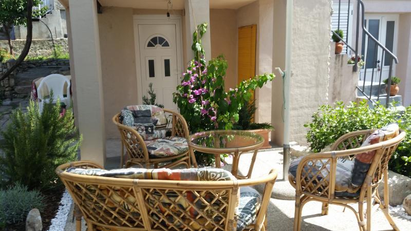 Apartmani Mali Raj 2, vacation rental in Vranjic