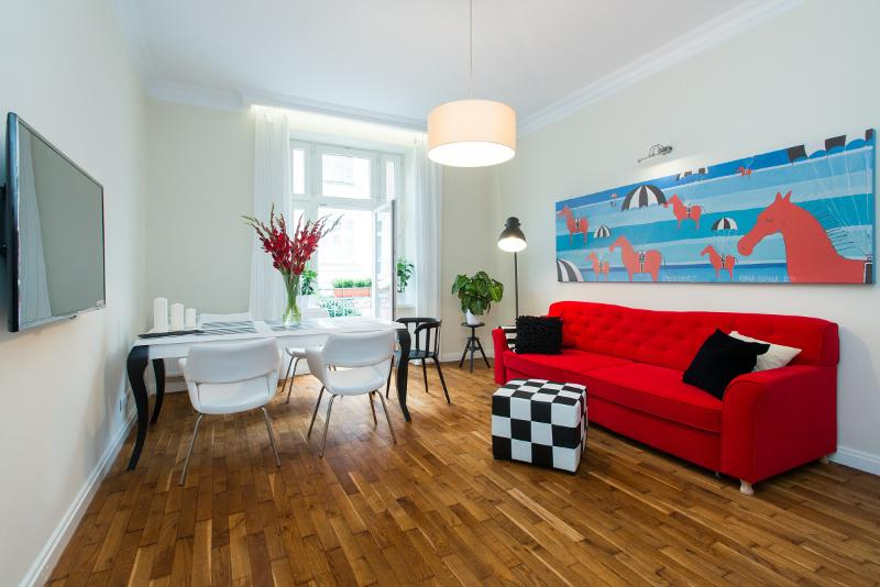 Sunny 3 rooms 2 bathrooms Old Town Smart TV, location de vacances à Cracovie