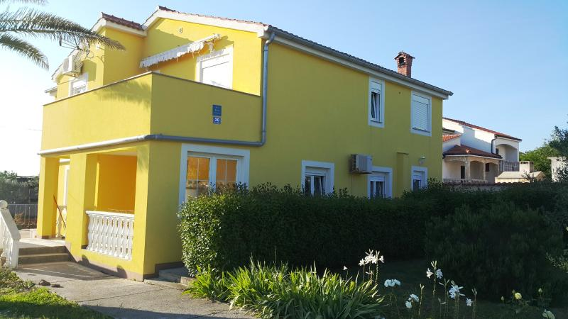 Apartments WINDROSE - WIND, holiday rental in Vrsi