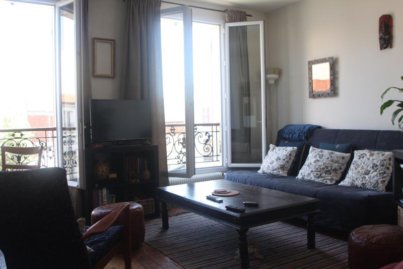 cosy 2 pieces 47m2, à 5 mn de Paris, casa vacanza a La Plaine-Saint-Denis