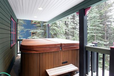 banheira de hidromassagem privada e espaçosos com vista trilha