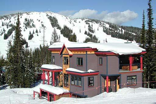 Silver Lining - 4 Bedroom + Den, Media Room and Recreation Room directly on the ski way