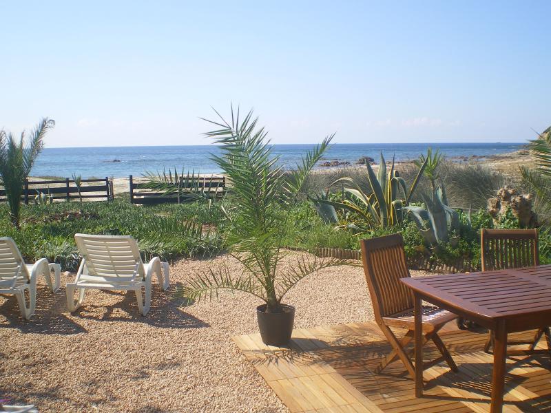 Maison-bord de mer-plage-Corse du sud, location de vacances à Corse-du-Sud