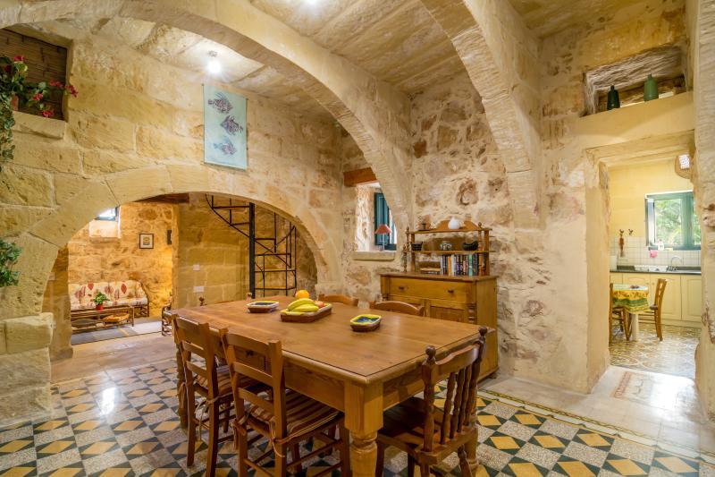 Dar Alessia - 2 Bedroom Farmhouse, vacation rental in Xaghra