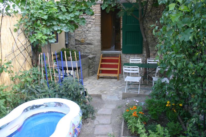 Eco-Gîte avec terrasse ombragée Gard entre Cévennes et Mer Méditerranée 4 à 6 p – semesterbostad i Quissac