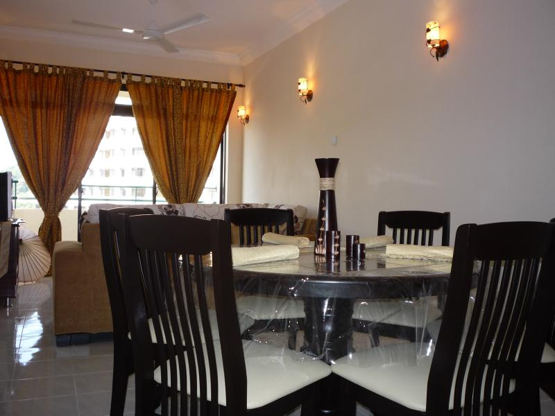 Fully renovated apartment with a touch of class, holiday rental in Teluk Bahang
