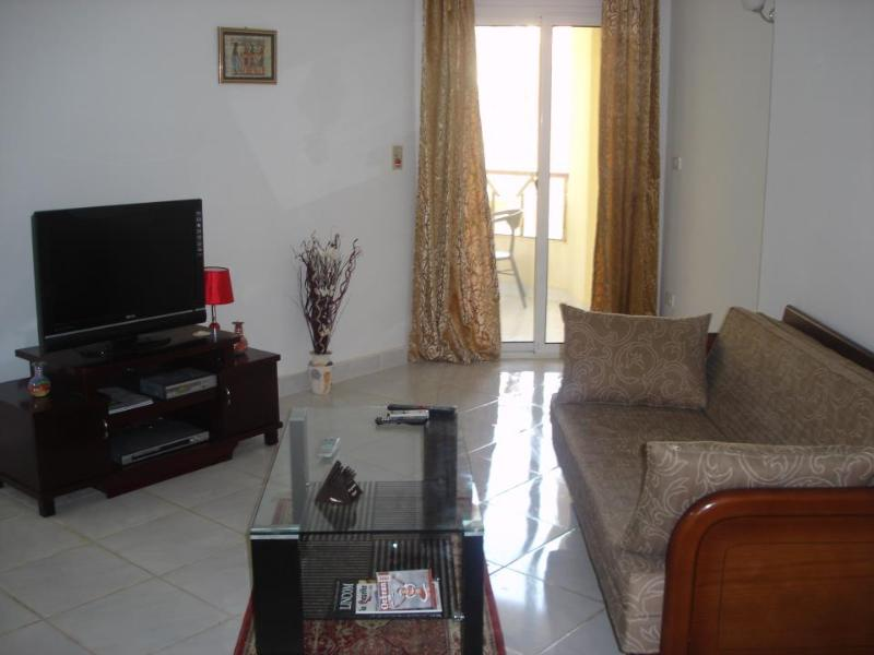 Large 1 Bedroom (314), Great location, Hurghada, vacation rental in Hurghada