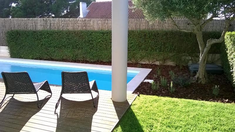 Villa T2 em Condomínio Fechado, location de vacances à Setubal District