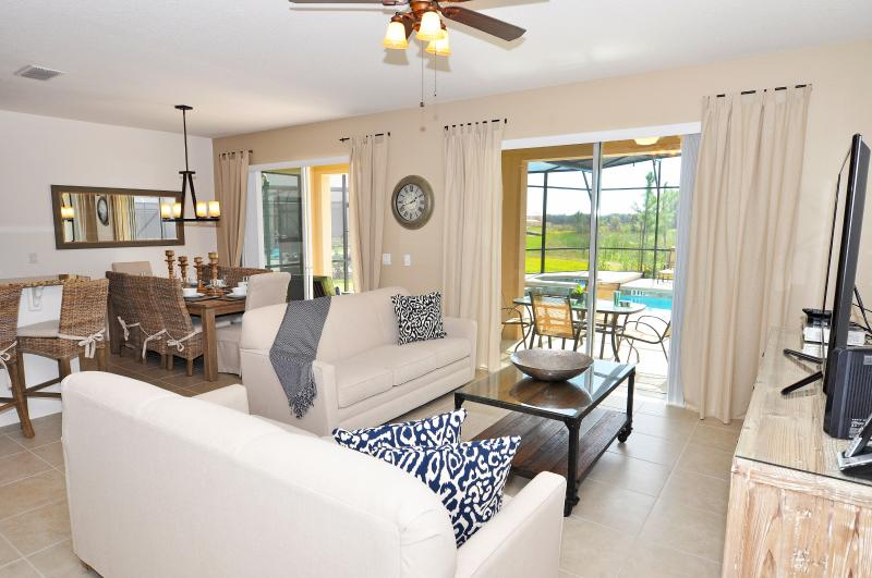 Beautiful 6 Bedroom Home Near Disney From 160nt, holiday rental in Orlando
