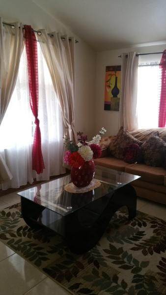 2 Bedroom Guest House, vacation rental in Trelawny Parish