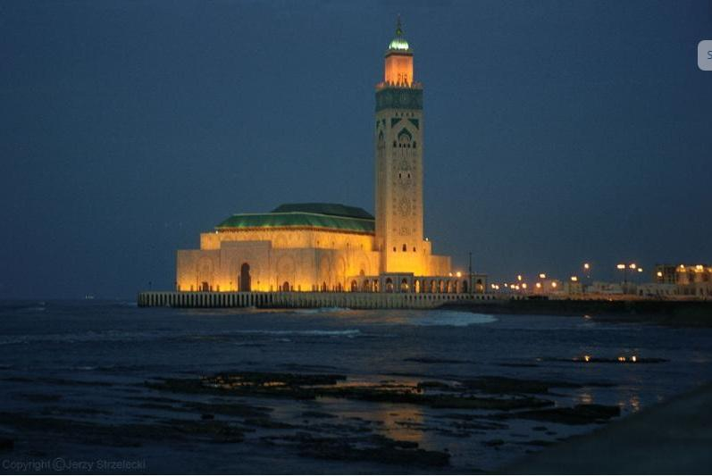 APPARTEMENT DECO RIAD A CASABLANCA EN BORD DE MER, holiday rental in Casablanca