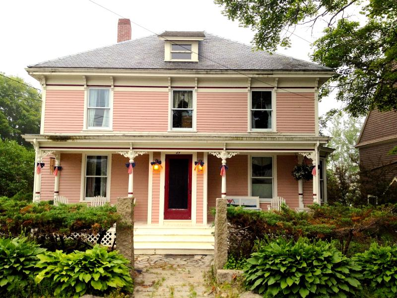 Front view of this 1897 Victorian home with updated amenities