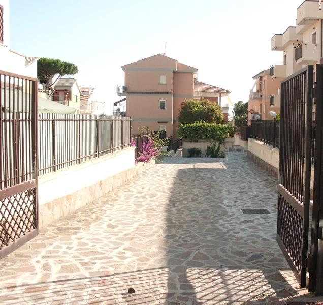 Appartamento con giardino vicino al mare, aluguéis de temporada em Sperlonga