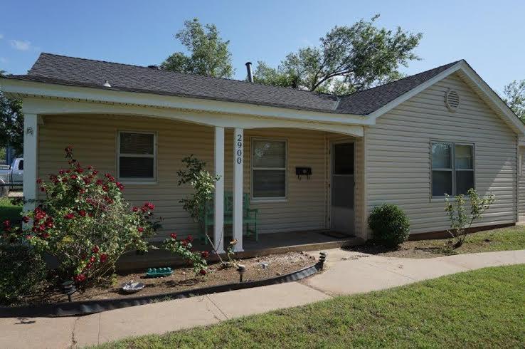 Awesome, House with Huge Fenced Yard, location de vacances à Oklahoma City