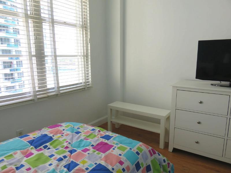 Secondary Bedroom / Habitación secundaria - ComprandoViajes