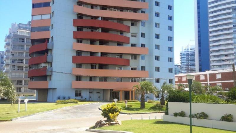 Edificio SCORPIO Fachada y vista lateral