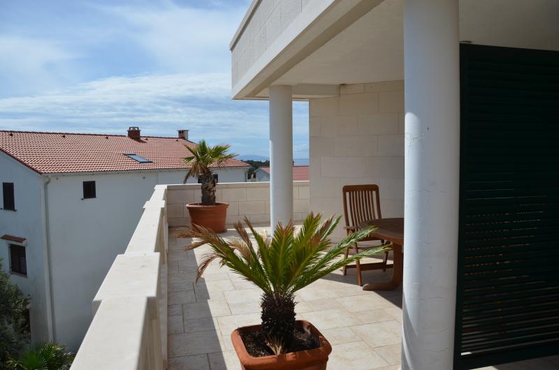 Terrace Villa Palme, 2nd Floor