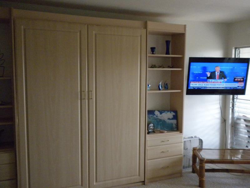 40 inch Sony Flat Screen TV. Queen Wall Bed is very comfortable.