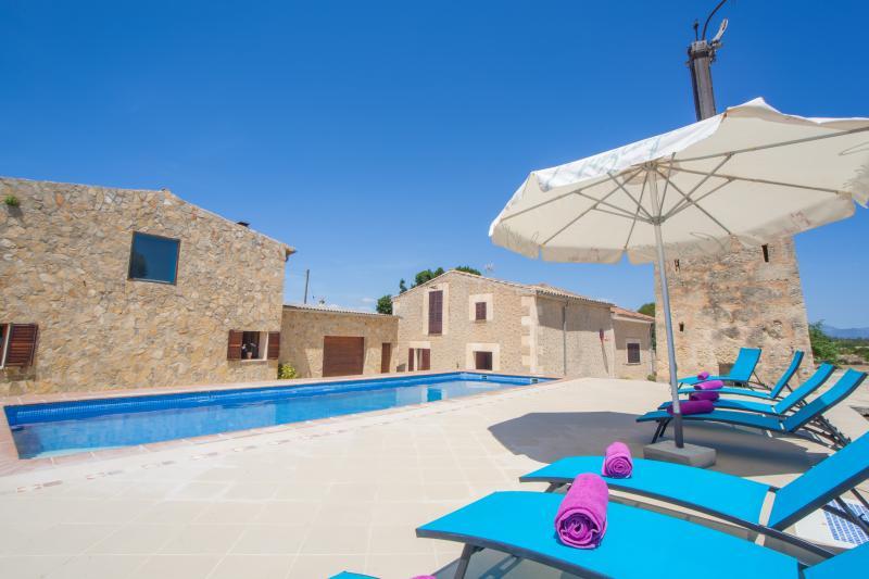 ES LLORER DE CAS CANAR - Villa for 12 people in Sencelles, holiday rental in Sencelles