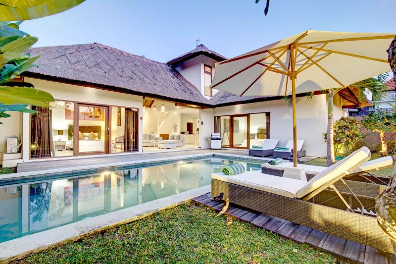Villa Nolan - Incroyable retraite 3BR & Private pool villa à Canggu.