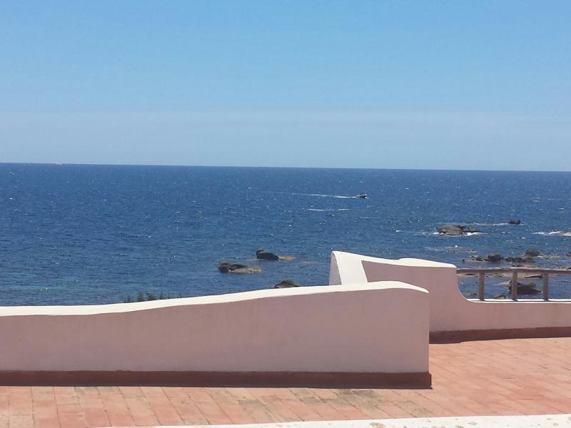 Casa posizione dominante sul mare., alquiler de vacaciones en Villasimius