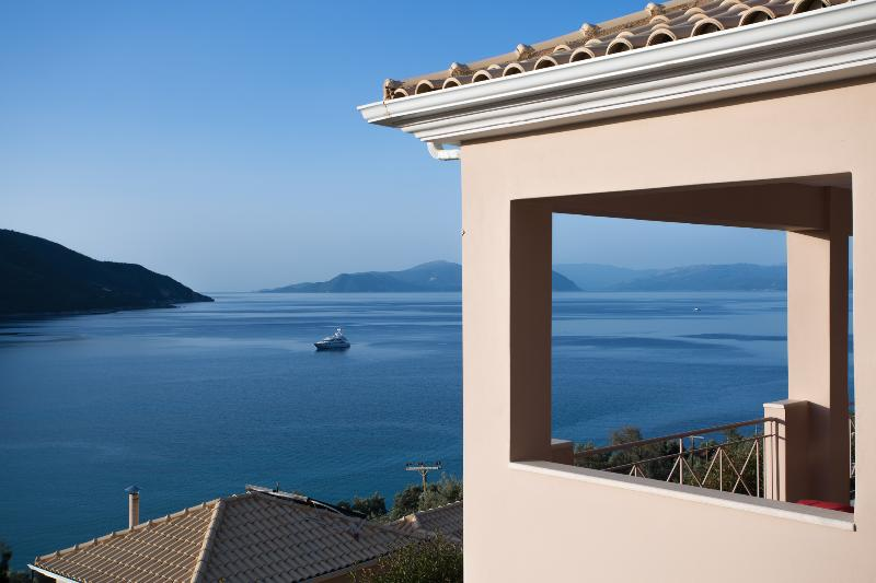 Calm Wave Villas, location de vacances à Lefkada